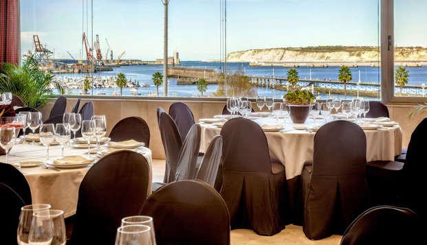 Escapada romántica con una cena gastronómica en un hotel-palacio frente al mar (desde 2 noches)