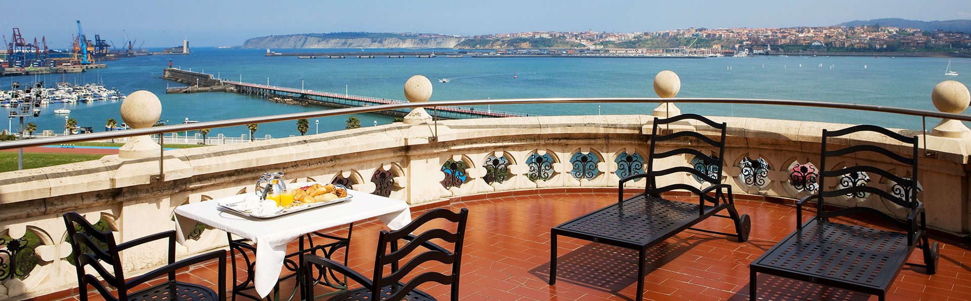 Vivez une expérience romantique avec tapas et une boisson de bienvenue à Gascogne (àpd 2 nuits)