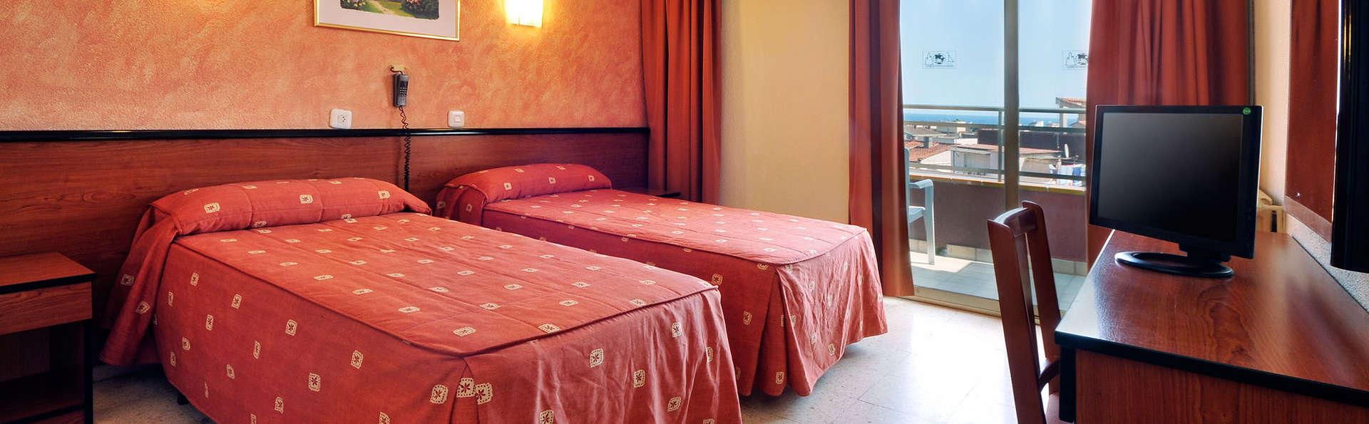 Hotel Continental Tossa - EDIT_standard.jpg