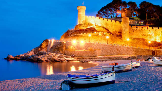 Oferta Exclusiva :Verano de ensueño en pensión completa en Tossa de Mar ( desde 3 noches )