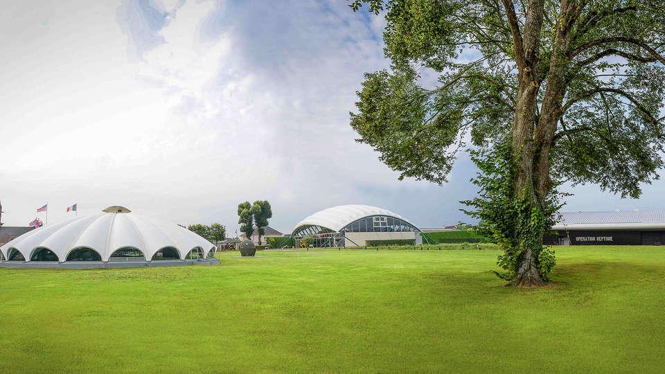 Adonis Grandcamp - Résidence les Isles de Sola - EDIT_museum9.jpg