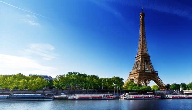 Nuit & Petit déjeuner 4 étoiles au pied de la Tour Eiffel