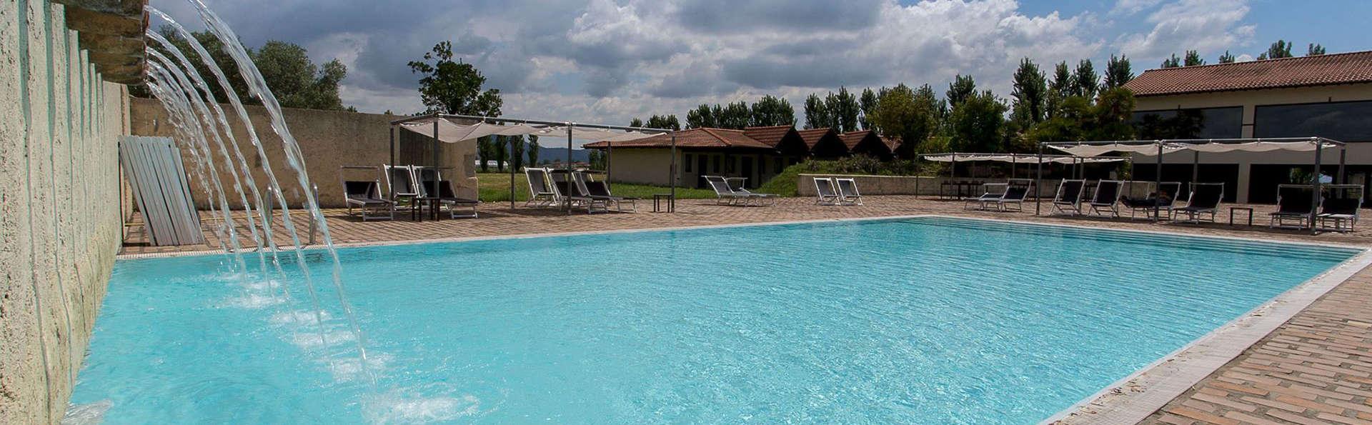 Foro Appio Mansio Hotel - EDIT_pool2.jpg