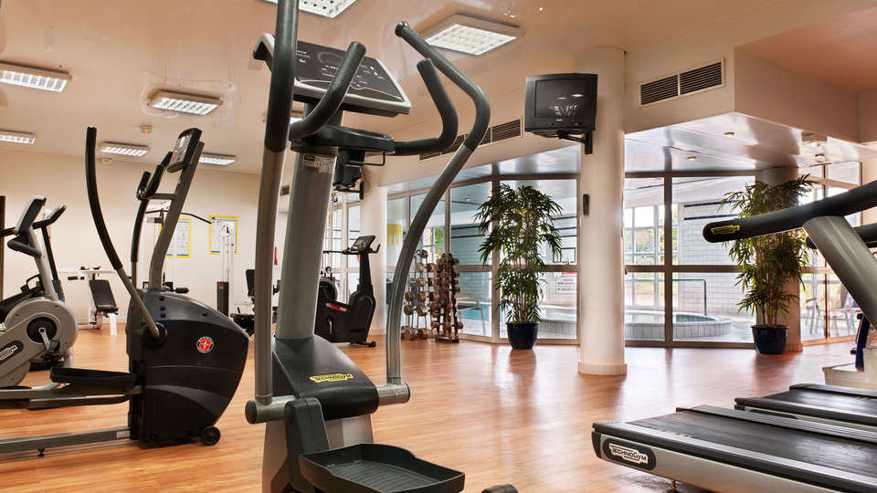 Mercure Chantilly Resort & Conventions - EDIT_gym.jpg