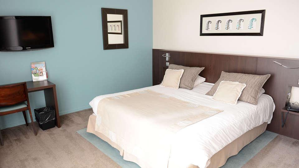 Hôtel Pasino Saint Amand - EDIT_room1.jpg