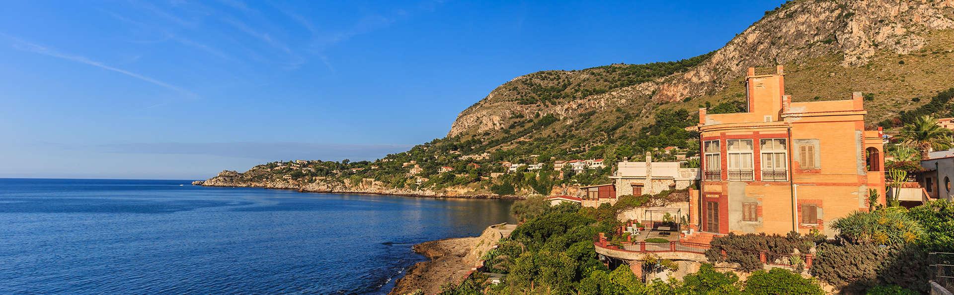 Sous le soleil de Sicile avec vue sur la mer près de Bagheria