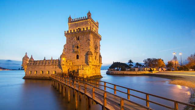 Escapada con Cena, cesta de frutas y botella de vino en Lisboa
