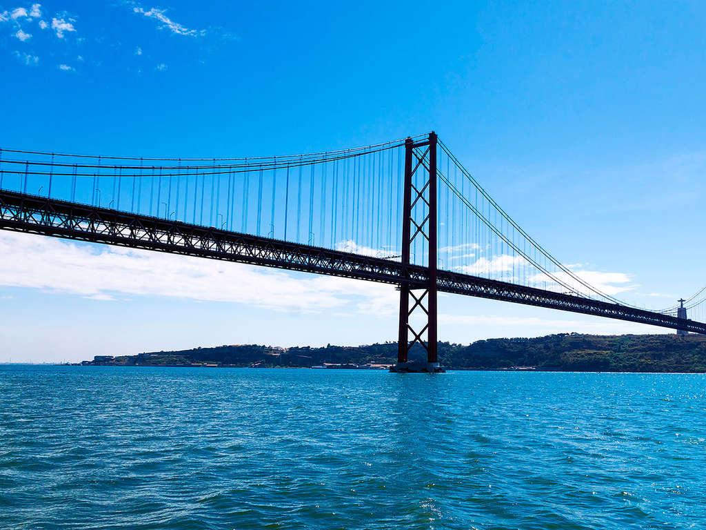 Séjour Portugal - Escapade romantique avec excursion en bateau sur le Tage à Lisbonne  - 4*