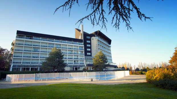 Hotel Les Dryades Golf Spa - front