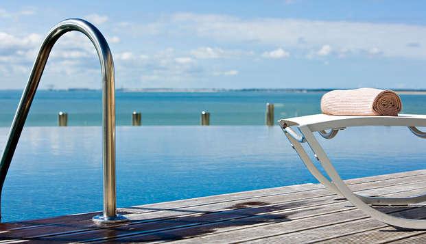 Hotel Cordouan Spa by Thalazur - pool