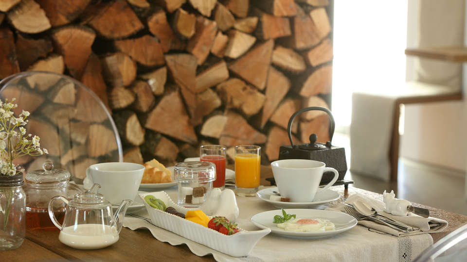 Torre de Palma Wine Hotel - EDIT_breakfast.jpg