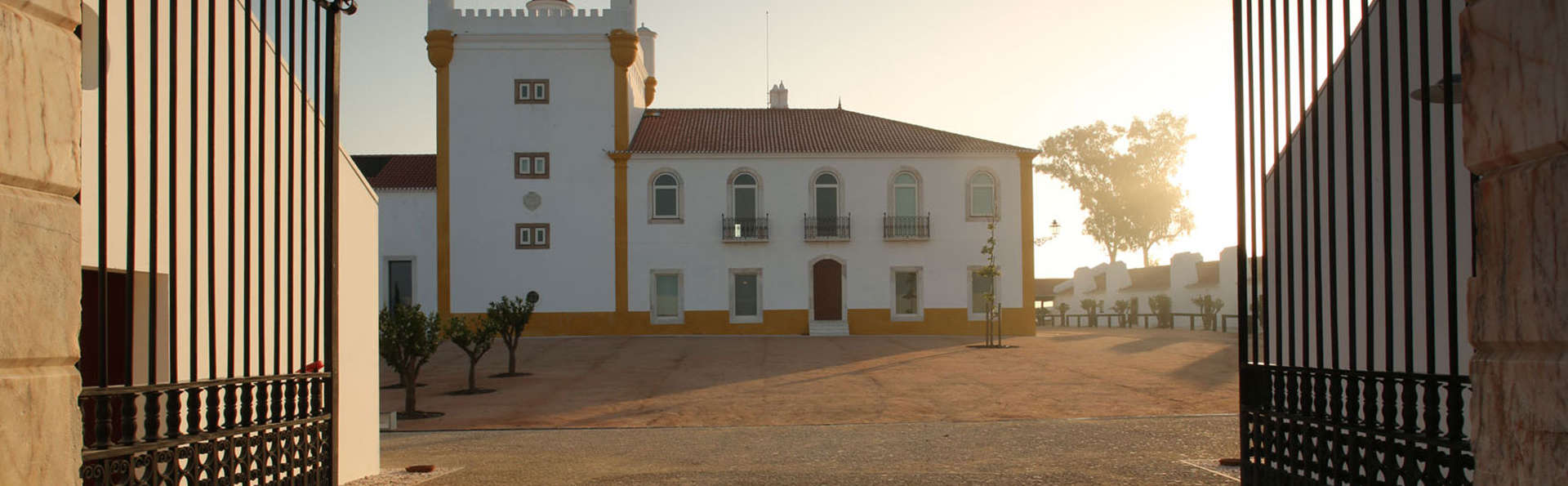 Torre de Palma Wine Hotel - EDIT_Hotel_entrance_3.jpg