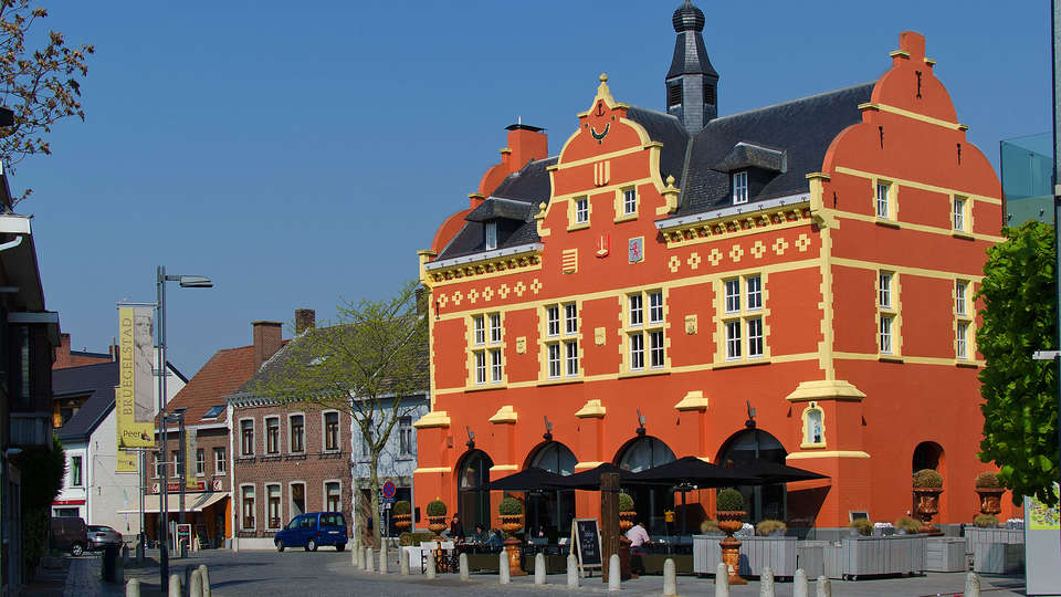 Hotel de Boskar 1773 - EDIT_buitenkant.jpg