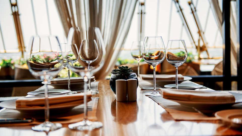 CTR Lajafriz - EDIT_generic_dinner3.jpg