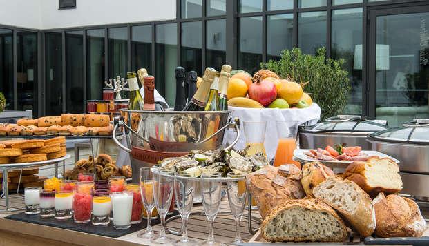 Chateau des Tourelles Hotel Thalasso Spa Baie de La Baule - breakfast