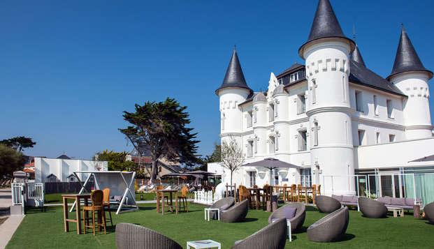 Chateau des Tourelles Hotel Thalasso Spa Baie de La Baule - garden