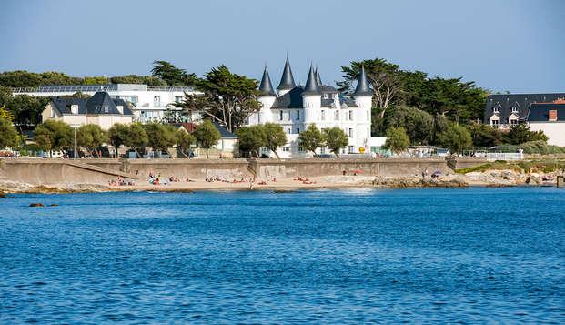 Chateau des Tourelles Hotel Thalasso Spa Baie de La Baule - Vue-Ch oteau-des-Tourelles
