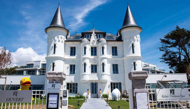 Chateau des Tourelles Hotel Thalasso Spa Baie de La Baule - front