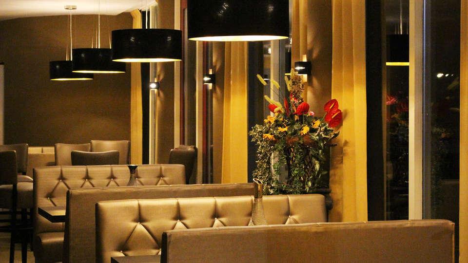 Hotel de Elderschans Aardenburg - EDIT_bar1.jpg
