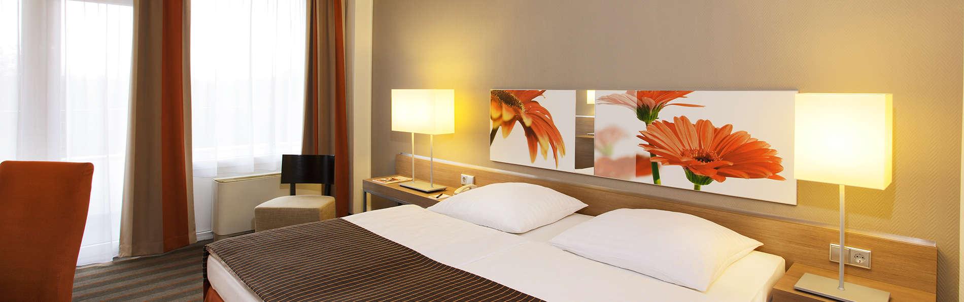 H4 Hotel Frankfurt Messe - EDIT_room.jpg