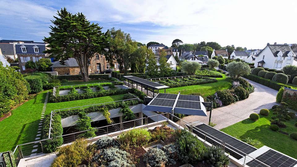 L'Agapa Hotel Spa Nuxe - EDIT_gardens3.jpg