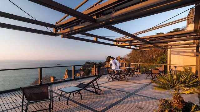 Séjour détente avec déjeuner, modelage, accès spa Nuxe et champagne dans un 5* proche de la mer