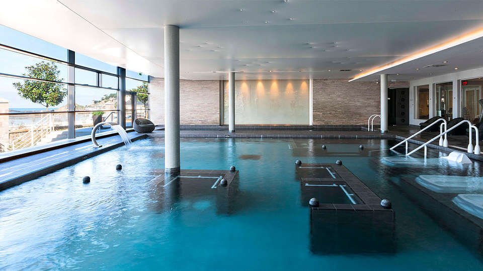 Spa Marin du Val André Thalasso Resort - EDIT_pool.jpg