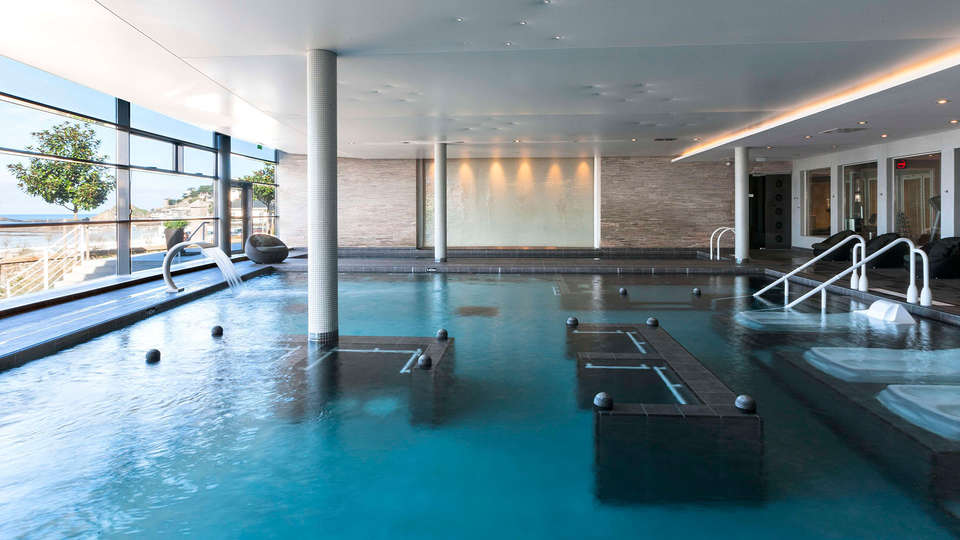 Spa Marin du Val André Thalasso Resort - EDIT_pool2.jpg