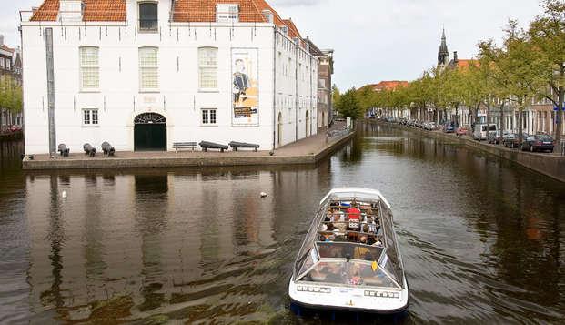Lifestyle Hotel Carlton Ambassador - boat