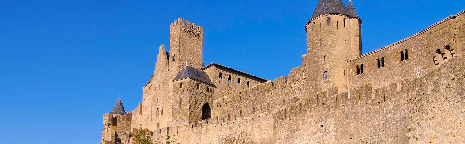 Descubre Carcassonne con entradas para el castillo y las murallas
