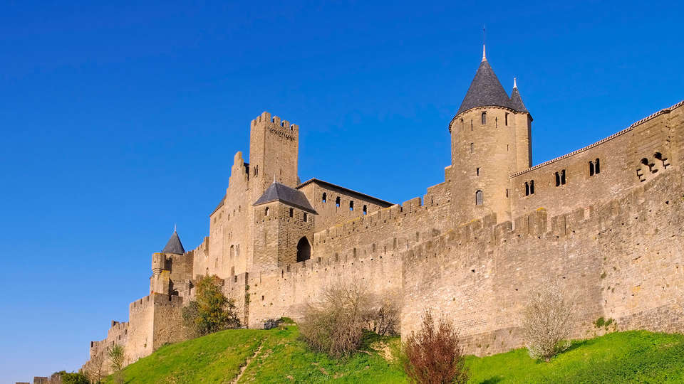 INTER-HOTEL Carcassonne - EDIT_chateu_carcassonne1.jpg