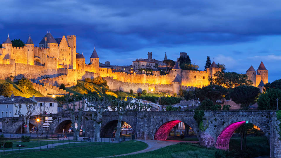 INTER-HOTEL Carcassonne - EDIT_chateu_carcassonne3.jpg