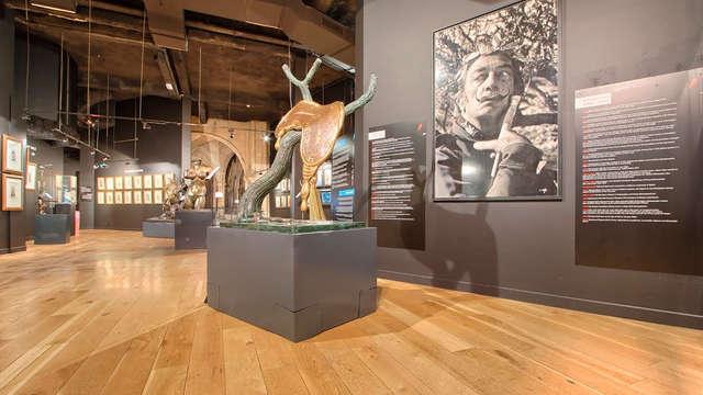 Séjournez à Montmartre et découvrez le surréalisme de Dali