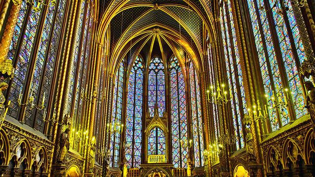 Escapada descubrimiento a París con visita a la Santa Capilla y la Consejería