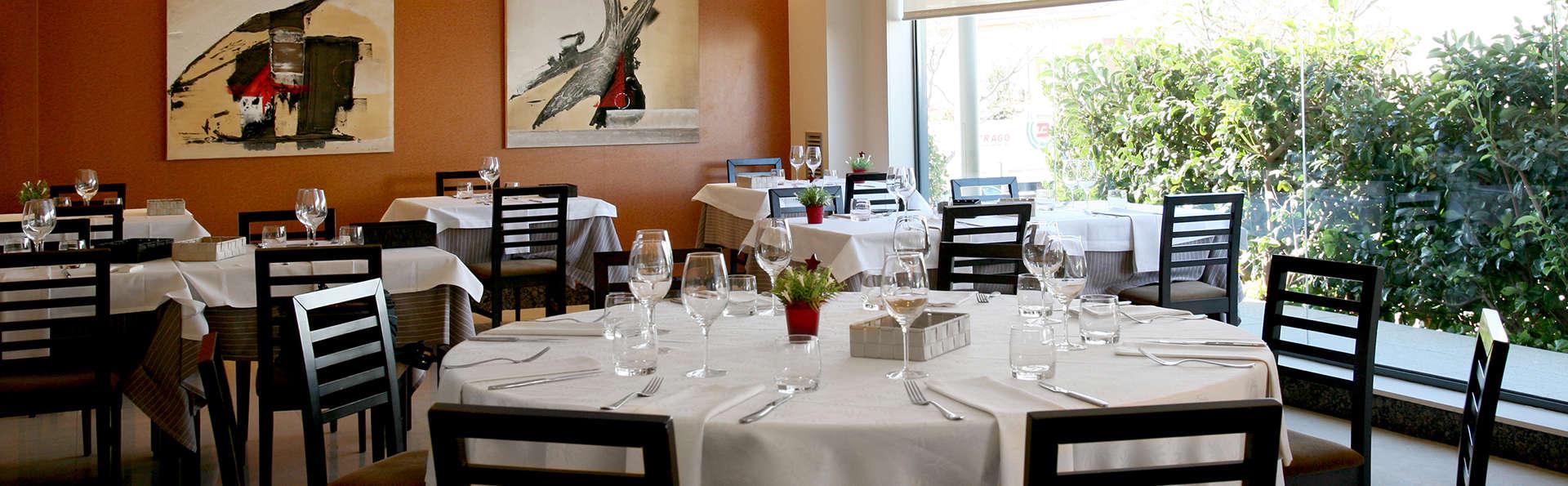 Hotel Class - EDIT-restaurant2.jpg