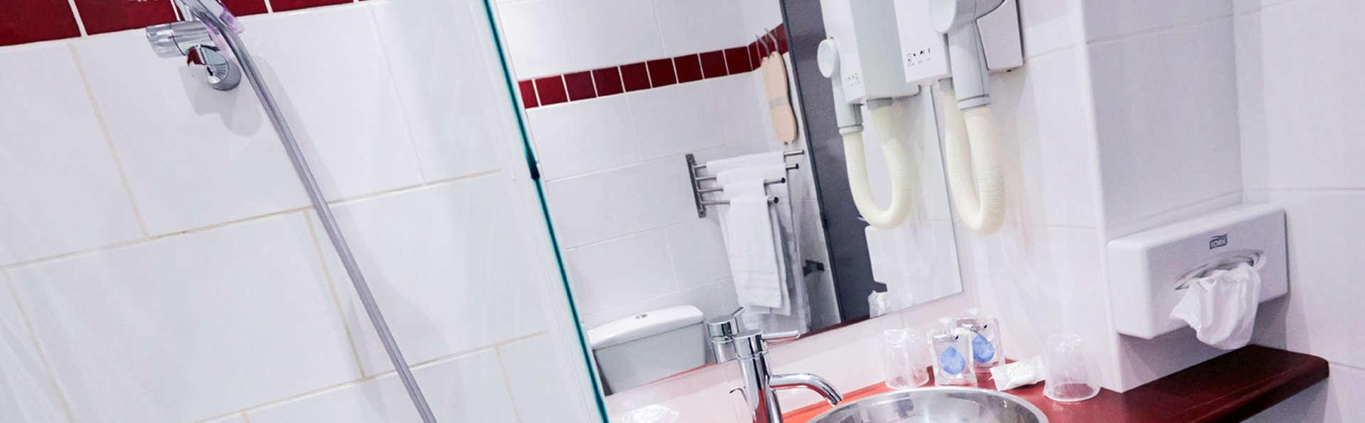 Hôtel Kyriad Marseille Centre Paradis-Préfecture - EDIT_bathroom2.jpg