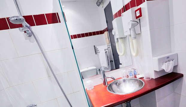 Hotel Kyriad Marseille Centre Paradis-Prefecture - bathroom