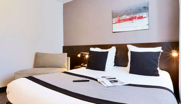 Hotel Kyriad Marseille Centre Paradis-Prefecture - room