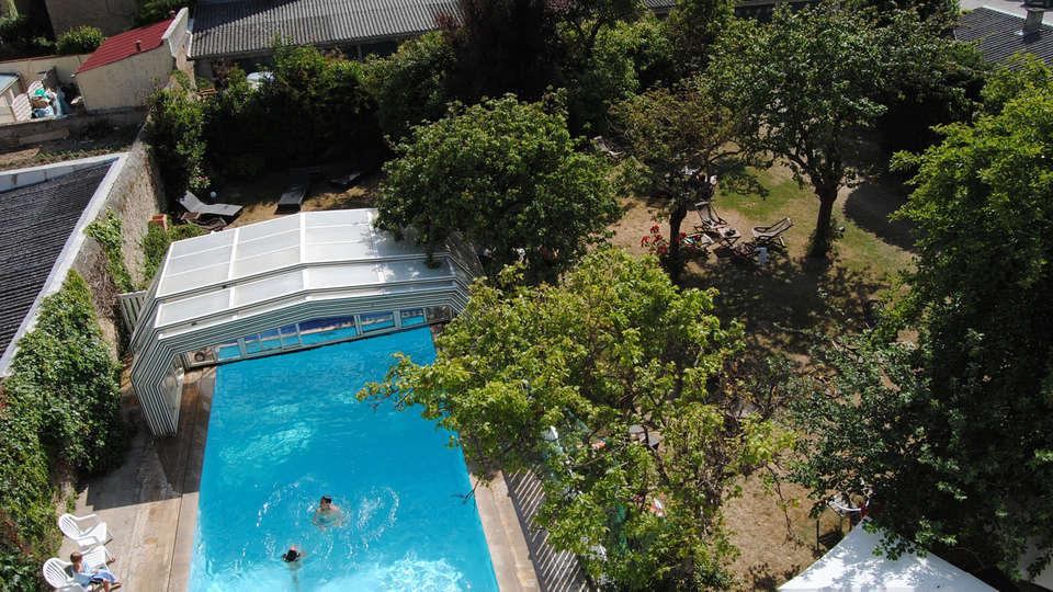Hôtel des Thermes Et du Casino - EDIT_garden_pool.jpg