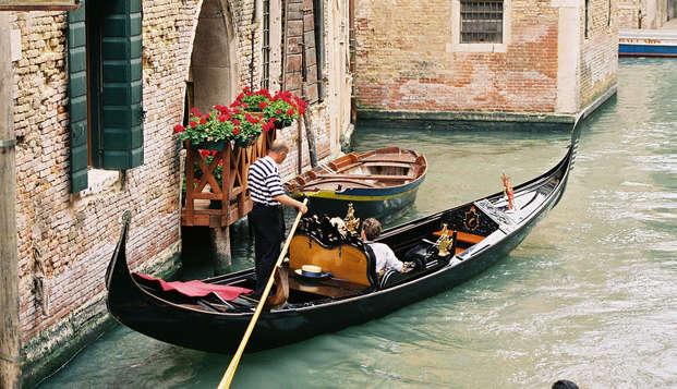 Ontdek het betoverende Venetië per gondel (vanaf 2 nachten)