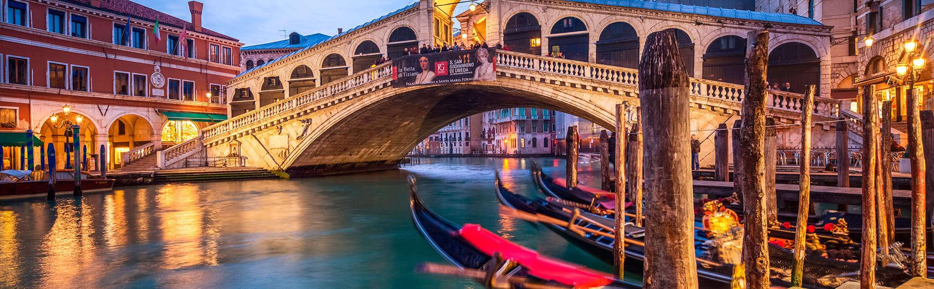 Weekend romantico mestre con 1 giro in gondola per 2 for Venezia soggiorno