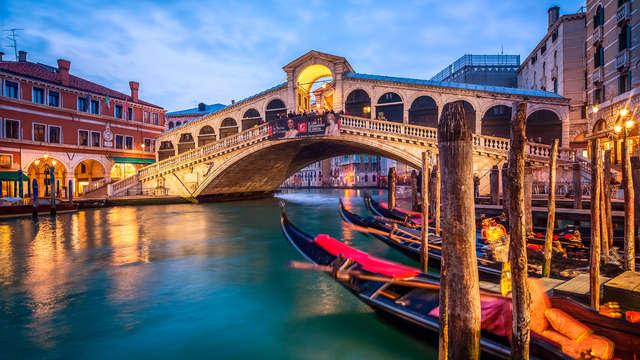 Au cœur de Venise dans un bâtiment du 17ème siècle avec une visite incontournable en gondole