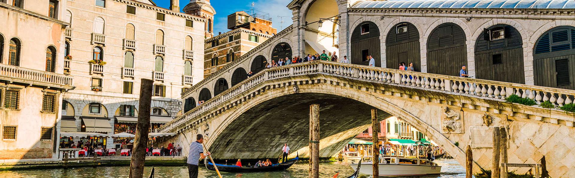 Offre Black Friday : séjour avec tour en gondole, à deux pas de Venise !