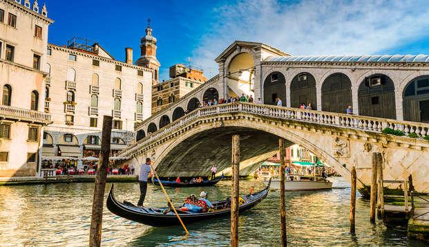 Séjour romantique à Venise, avec jacuzzi en chambre et tour de gondole !