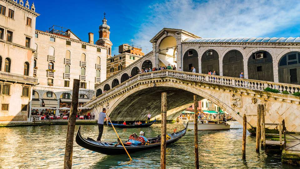 Staycity Aparthotel Venice Mestre - EDIT_rialto2.jpg