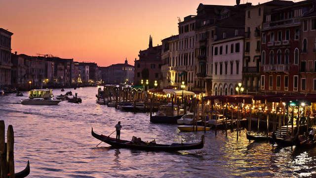 Séjour dans un palais d'époque au cœur de Venise avec une visite en gondole