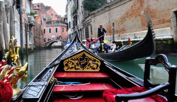 Escapada con paseo en góndola en un hotel en el centro de Venecia