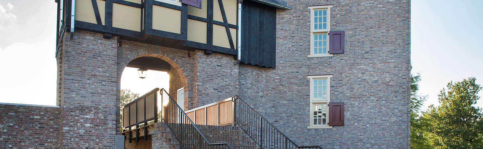 Landgoed Kasteel Daelenbroeck  - EDIT_nieuwe-toren-vanuit-binnenplaats.jpg