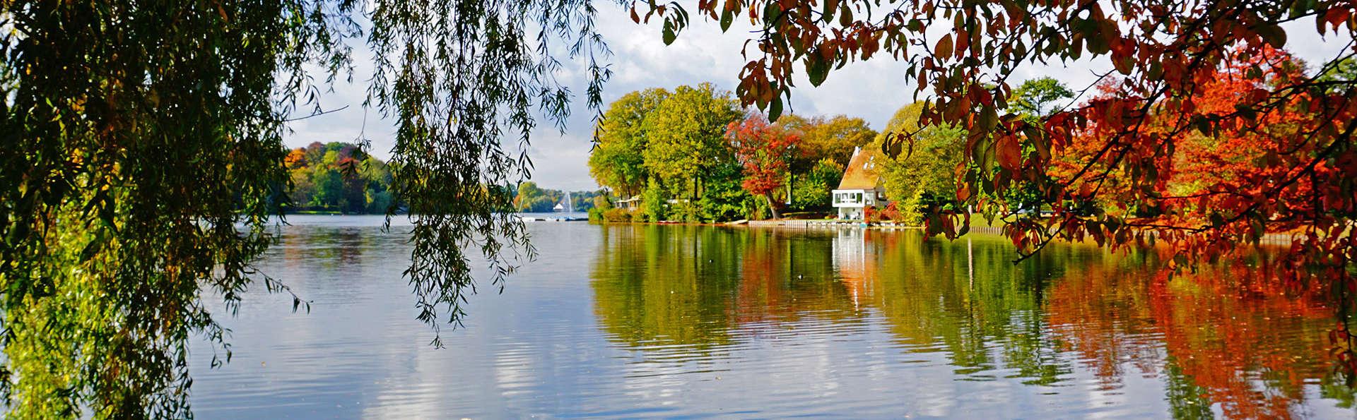 Martin's Château du Lac - EDIT_lake3.jpg