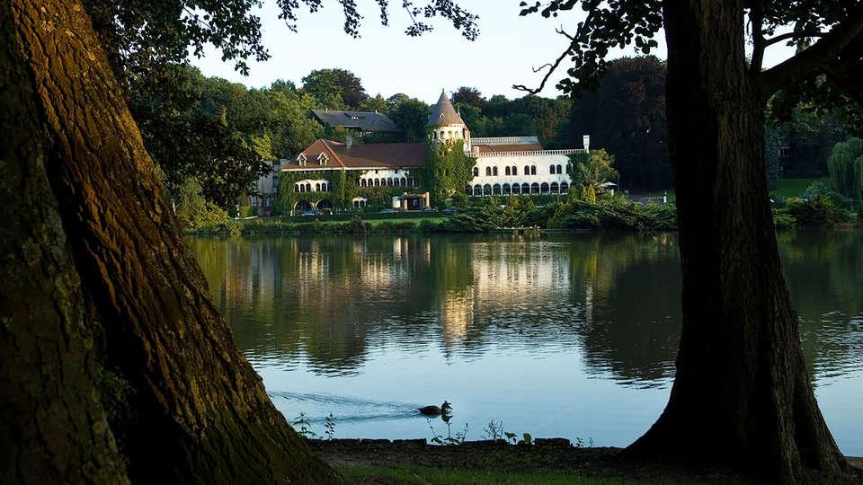Martin's Château du Lac - EDIT_lake4.jpg